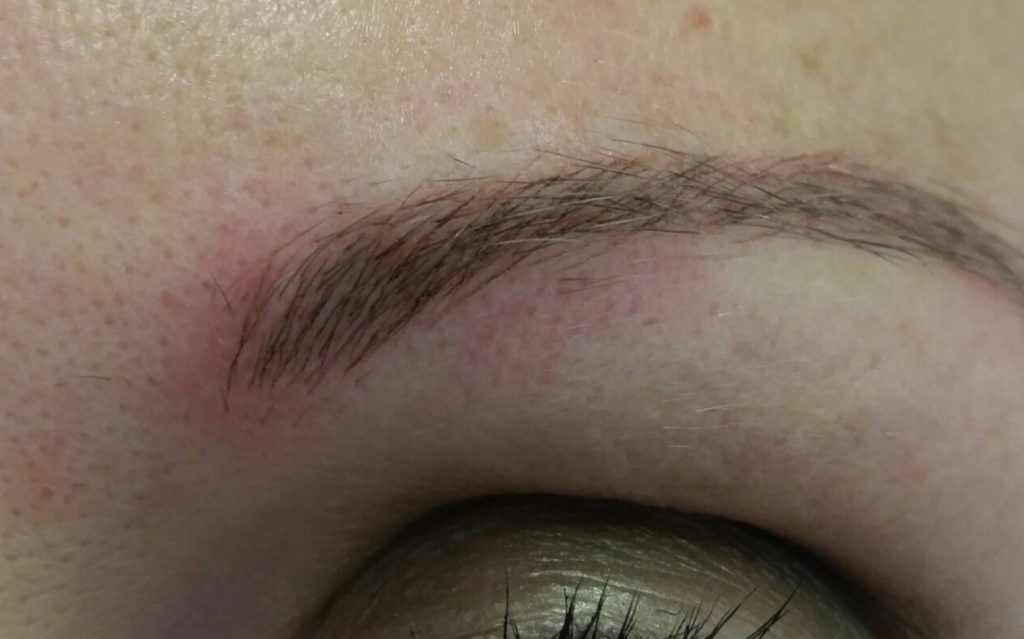 eyebrow-after-microblading